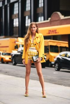 40 Yellow Outfits in Fashion Ideas 16