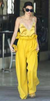 40 Yellow Outfits in Fashion Ideas 9