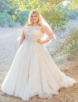 50 Ball Gown for Pluz Size Brides Ideas 32