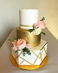 50 Gold Wedding Cakes Ideas 11
