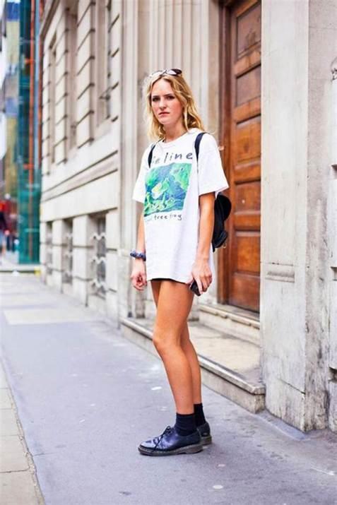 50 How to Wear an Oversized T Shirt Ideas 52