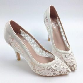 50 Lace Heels Bridal Shoes Ideas 7