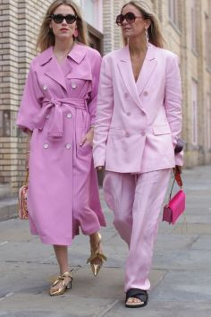 50 Möglichkeiten rosafarbene Outfits Ideen zu tragen 29