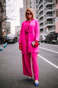 50 Möglichkeiten rosafarbene Outfits Ideen zu tragen 37