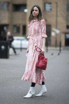 50 Möglichkeiten rosafarbene Outfits Ideen zu tragen 39