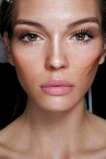 50 Perfekte natürliche Make up für Frauen Idee 1