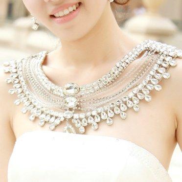 50 Shoulder Necklaces for Brides Ideas 35