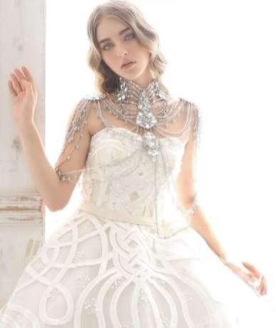 50 Shoulder Necklaces for Brides Ideas 42