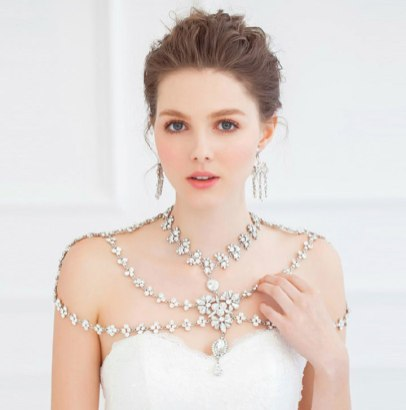 50 Shoulder Necklaces for Brides Ideas 49