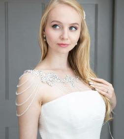 50 Shoulder Necklaces for Brides Ideas 51
