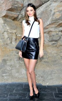 50 White Sleeveless Top Outfits Ideas 15