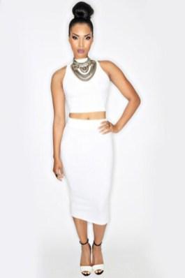 50 White Sleeveless Top Outfits Ideas 43