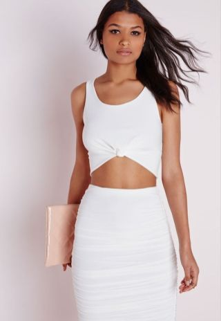 50 White Sleeveless Top Outfits Ideas 57 1 1
