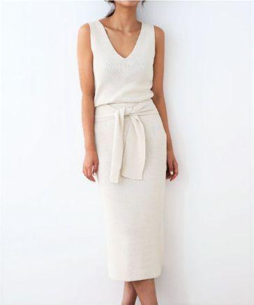 50 White Sleeveless Top Outfits Ideas 7