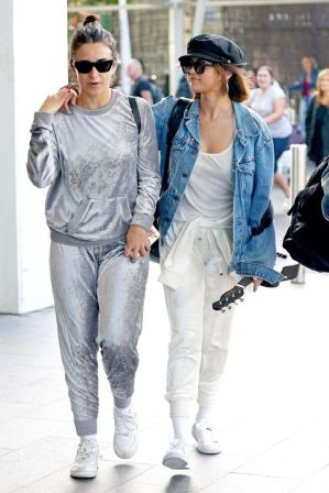 70 Ways Selena Gomes Styles with Sneakers Ideas 10