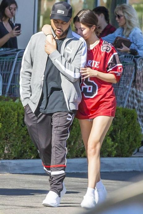70 Ways Selena Gomes Styles with Sneakers Ideas 17