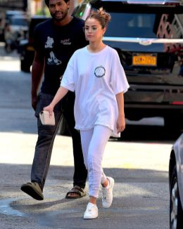 70 Ways Selena Gomes Styles with Sneakers Ideas 32
