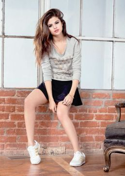 70 Ways Selena Gomes Styles with Sneakers Ideas 47