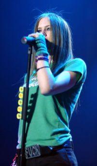 90 Old Avril Lavigne Styles Ideas 15