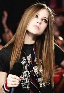 90 Old Avril Lavigne Styles Ideas 37