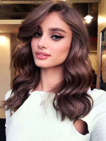30 Simple Long Hairstyles for Party Look Ideas 21