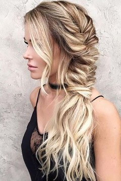 30 Simple Long Hairstyles for Party Look Ideas 8