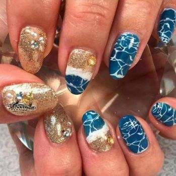 40 Beach Themed Nail Art for Summer Ideas 20