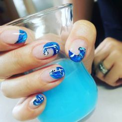 40 Beach Themed Nail Art for Summer Ideas 37