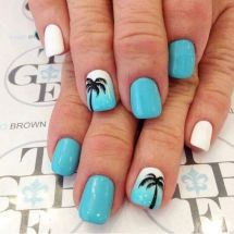 40 Beach Themed Nail Art for Summer Ideas 8