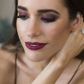 40 Burgundy Makeup Look Ideas 24