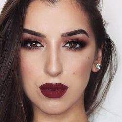 40 Burgundy Makeup Look Ideas 32