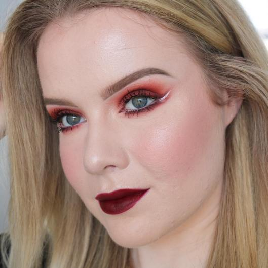 40 Burgundy Makeup Look Ideas 37