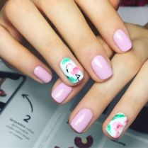 40 Cute Flamingo Themed Nail Art Ideas 17