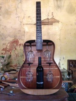 40 DIY Repurpose Old Guitars Ideas 13