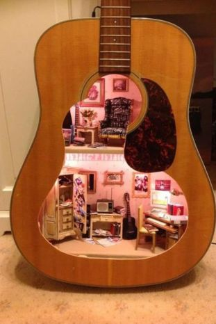 40 DIY Repurpose Old Guitars Ideas 25