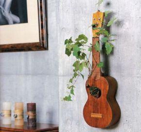 40 DIY Repurpose Old Guitars Ideas 31
