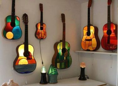 40 DIY Repurpose Old Guitars Ideas 7
