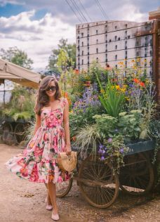 40 Fashionable Floral Print Dresses for Summer Ideas 36