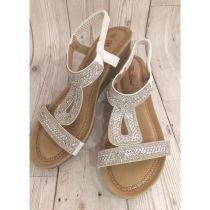 40 Glam Flat Sandals for Summer Ideas 23