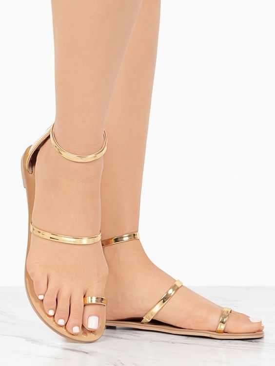 40 Glam Flat Sandals for Summer Ideas 39