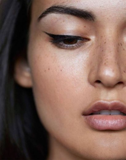 40 Simple Winged Eyeliner You Should to Copy 19