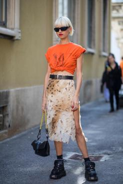 40 Stylish Orange Outfits Ideas 2