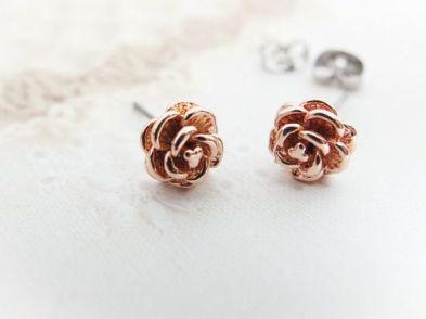 40 Tiny Lovely Stud Earrings Ideas 21