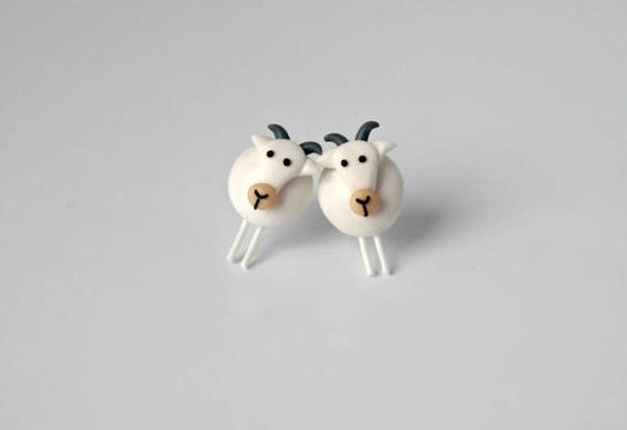 40 Tiny Lovely Stud Earrings Ideas 33
