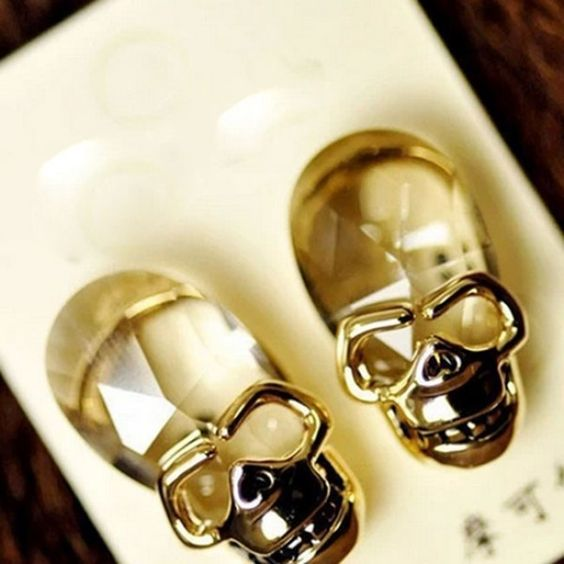 40 Tiny Lovely Stud Earrings Ideas 34