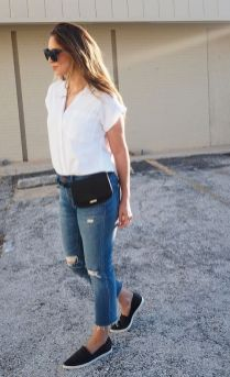 40 Ways to Wear Trendy Fanny Packs for Summer Ideas 35