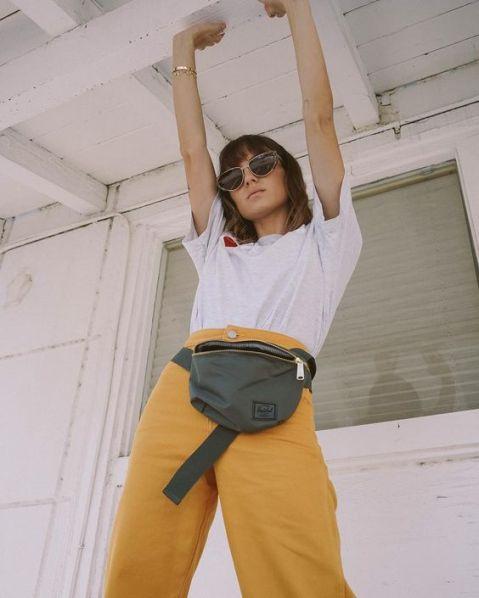 40 Ways to Wear Trendy Fanny Packs for Summer Ideas 41