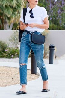 40 Ways to Wear Trendy Fanny Packs for Summer Ideas 45