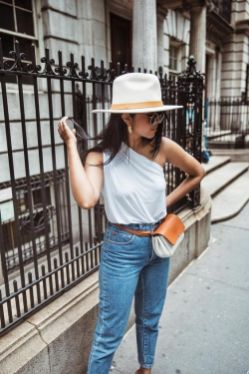 40 Ways to Wear Trendy Fanny Packs for Summer Ideas 47