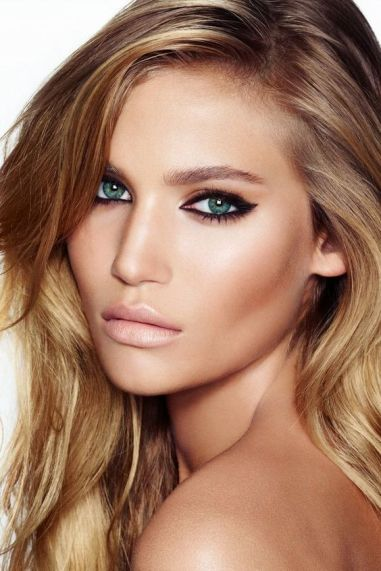 50 Blue Eyes Makeup You Need to Copy Ideas 14